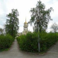 У храма :: Александр Подгорный
