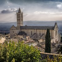 Италия, городок Ассизи :: Виталий Авакян