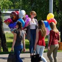 Кому праздник, кому работа... :: Юрий Оржеховский