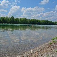 В теплый майский день на озере... :: Galina Dzubina