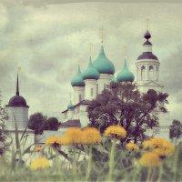 Весна у стен монастыря :: Николай Белавин