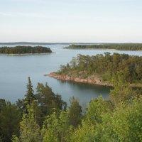 Вид на пролив с  высокого холма (скалы), на котором была построена Башня Notvikstornet :: Елена Павлова (Смолова)
