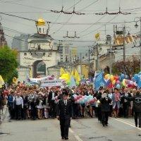 Торжественным маршем... :: Владимир Шошин