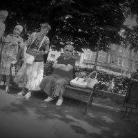 девушки-старушки... :: Владимир  Зотов