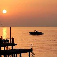 Рассвет на Средиземном море :: Наталья Казанцева