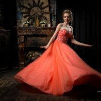 И платье волнами кружило... :: Михаил Кучеров