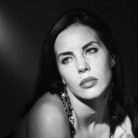 Женский портрет :: Александр Амеличкин