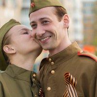 В щёчку... :: Алексей Ковынев