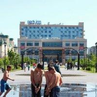 На фонтане :: Дмитрий Арсеньев