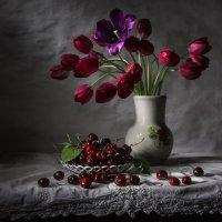 С тюльпанами. :: Svetlana Sneg