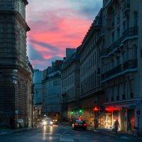 Закат в городе :: Андрей Жуков