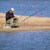Рыбак (в шарах) :: Валерий Дворников