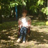 Под тенью деревье :: Tatiana Tutatchikova