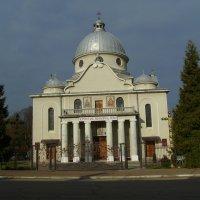 Греко - католический  храм  в  Богородчанах :: Андрей  Васильевич Коляскин