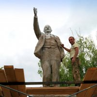 Ильич ныне уже не тот..)) :: Андрей Заломленков
