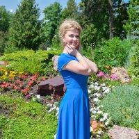 Фотосессия в синем платье :: Сергей Тагиров