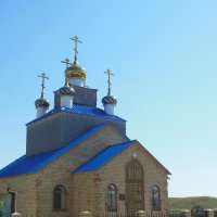 церковь в селе :: игорь
