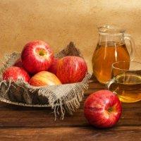 Яблочный сок :: Елена Ел
