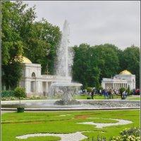 "У фонтана ""Чаша"" :: lady v.ekaterina"