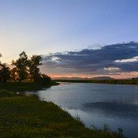 Вечер над рекой :: юрий Амосов