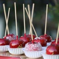 Яблоки в карамели. :: юрий