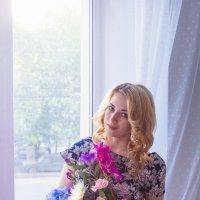 У окна :: Анастасия Хорошилова