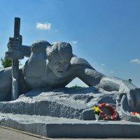"Мемориал ""Жажда"" :: Totono Dvorov"