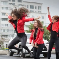 Уличный танец :: ИГОРЬ ЧЕРКАСОВ