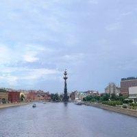 Вид с Крымского моста на Пречистенскую набережную и Центральный дом художника :: Irina-77 Владимировна