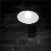 Одинокий фонарь. :: Игорь Абламейко