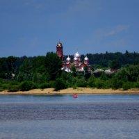 Церковь в селе Ершовка. :: Алексей Golovchenko