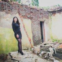 В заброшенном доме :: Анастасия Хорошилова