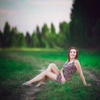 Аня в поле, вечер. :: Alex Lipchansky
