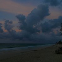 Надвигается ночь... (Берег Атлантического океана, Куба), вариант 2 :: Юрий Поляков