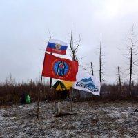Начало осени, а снегу то всё больше. Военно-патриотический лагерь на Затоне. :: Сергей Карцев