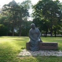 Ландшафтный парк Исопуйсто. Памятник Марии Пурпурной :: Елена Павлова (Смолова)