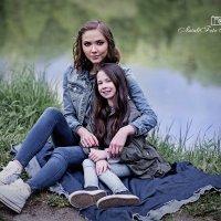 Сестры в парке :: Натали Михальченко