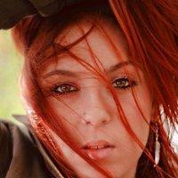 Завораживающий взгляд рыжеволосой девушки :: Оксана Смолкина