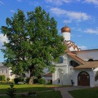 Церковь Покрова Пресвятой Богородицы в Тихвинском Успенском монастыре :: Сергей Кочнев