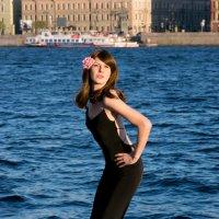 Я на набережной в Санкт-Петербурге :: Дина Мазаник