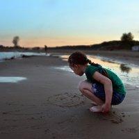 Улыбка на песке :: Марина Сле...