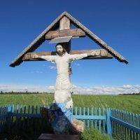 Мезенский район . Крест у часовни Святой Троицы :: Александра Карпова