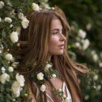 Волосы в розах :: Женя Рыжов