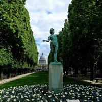 в Люксембургском саду :: Александр Корчемный