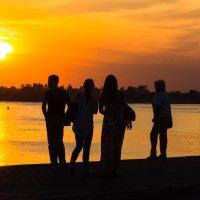 Вечерние прогулки по набережной Томи :: Дима Пискунов