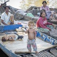 Камбоджа..плавучая деревня :: Надежда Шемякина