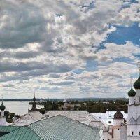 Панорама с башни Ростовского кремля :: Евгений Голубев