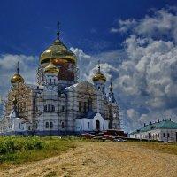 Белая гора :: Валерий Симонов