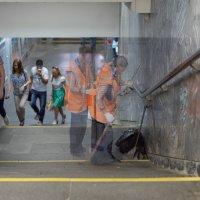 Невидимые работники метро....Небольшой набросок... :: maxihelga ..............