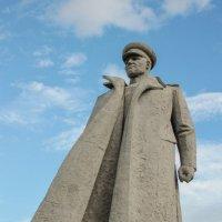Памятник маршалу Коневу И.С. в г.Киров :: Андрей Катаев
